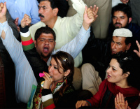 IN PICTURES: PIA employees on strike
