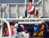 900 confirmed deaths in refugee shipwreck