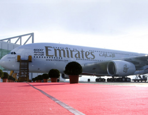 VIDEO: How to wash an A380 without water