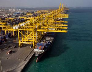 10 injured in DP World crane accident