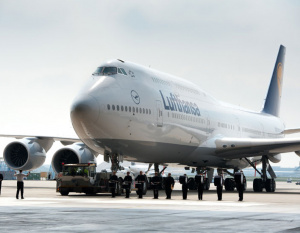 PHOTOS: First Lufthansa Boeing 747-8 arrives in Germany