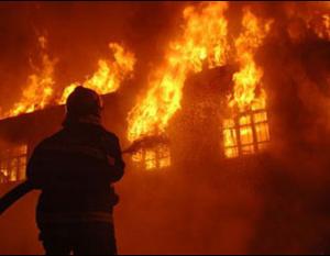 Massive fire guts chemical warehouse in Ras Al Khaimah