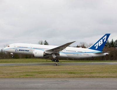 Boeing completes utimate-load wing test on 787