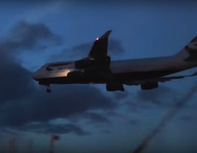 VIDEO: Boeing 747 makes emergency landing on two wheels