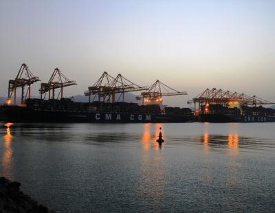 Gulftainer's Khorfakkan port breaks TEU world record