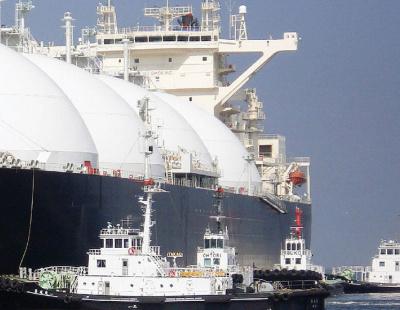 Qatari port smashes own shipping records