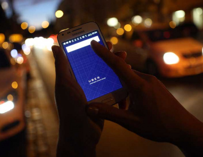 Bahrain taxi drivers threaten strike over Uber
