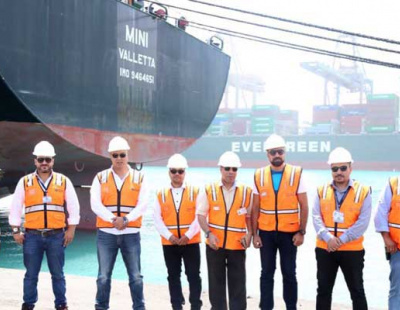 DP World Sokhna welcomes first baby capesize bulk carrier