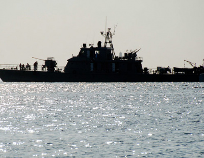 Iranian Navy saves oil tanker from pirate attack