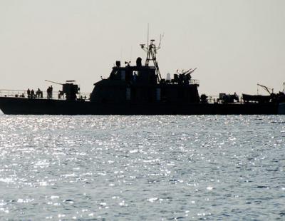 Iran, US and Saudi warships in tense Yemen standoff