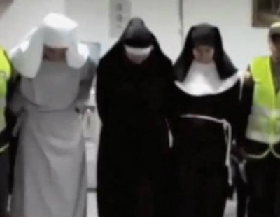 """WATCH: """"Nuns"""" caught with cocaine at Colombia airport"""