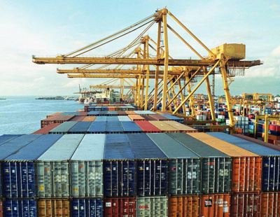 UAE's non-oil foreign trade grows by 22% in 2011