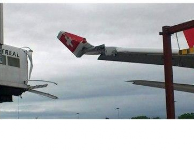 PIC: Brand new Swiss Airlines A330 damaged in Montreal