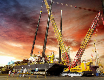 The logistics behind a heavy crane lift in UAE shipyard