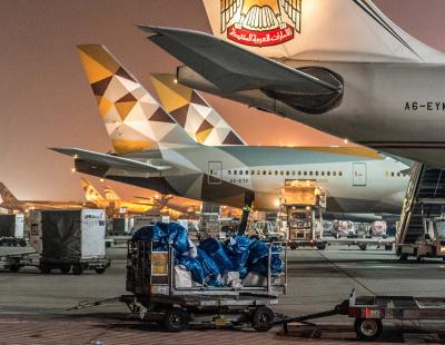 Etihad Airways celebrates longest serving aircraft dispatcher
