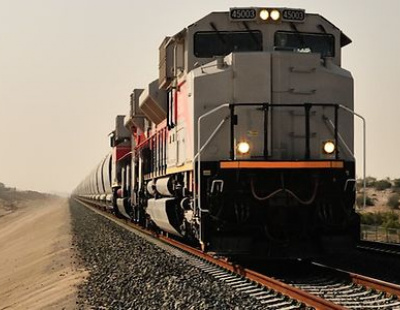 Etihad Rail and Abu Dhabi Customs look to develop freight transport in UAE