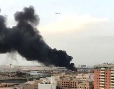 VIDEO: Dhow cargo catches fire, spreading smoke across Deira