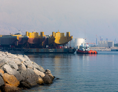 Mammoet mobilizes high capacity barge as demand grows in Middle East