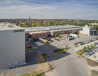 Davert opts for BEUMER stretch hood A for packaging its palletised organic products