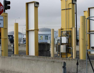 Kuwait plans to install radioactive monitoring devices at borders
