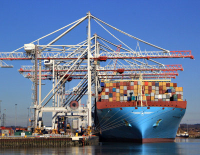 Liebherr Container Cranes secures further megamax cranes order for German Ports