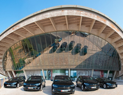 ekar plans to offer first Tesla car-share operation in the Middle East