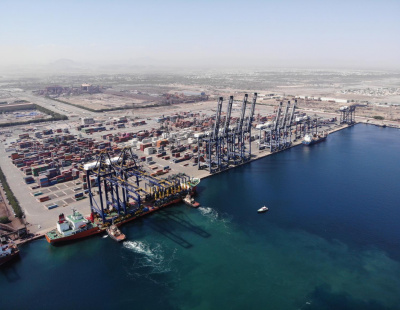 Remote-controlled STS cranes delivered to Hutchison Port Sohar