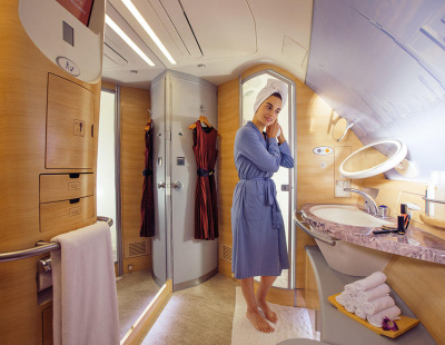 UK said to ban Emirates airline's first class shower attendants