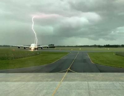 Watch: Lightning bolt just misses Emirates A380 aircraft