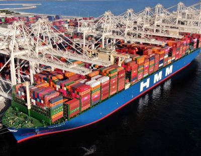Mega ship HMM GDANSK arrives at Jebel Ali Port