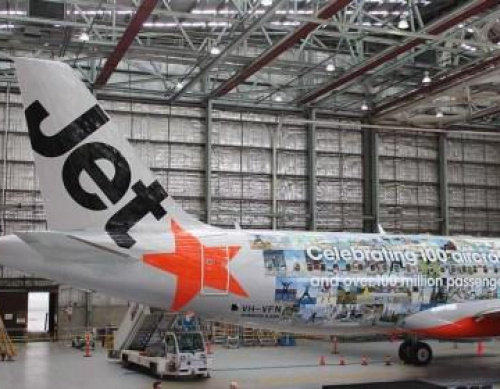 PHOTOS: Jetstar livery to celebrate 100-aircraft fleet