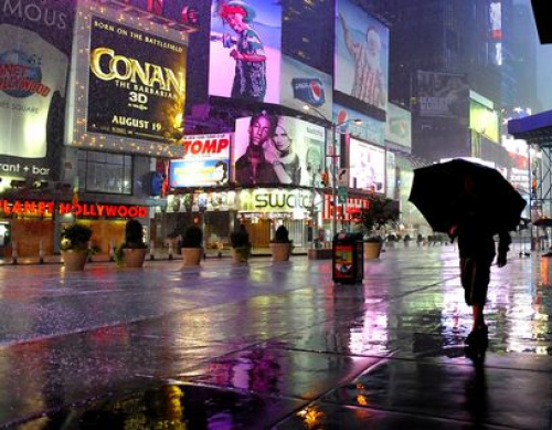 Gulf airlines scrap New York flights as Irene hits