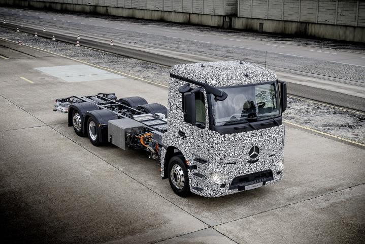 The Mercedes-Benz Urban eTruck is based on a heavy-duty, three-axle short-radius Mercedes-Benz distribution truck.