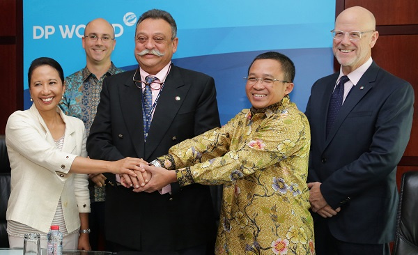 The agreement was signed by DP World group executive vice president and chief operating officer Anil Wats and state-owned port operator PT Pelabuhan Indonesia (Pelindo) I president director, Bambang Eka Cahyana.