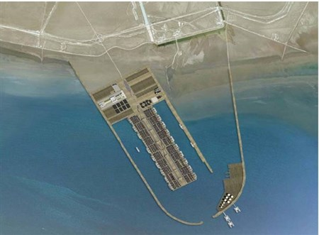 The Southern Faw Port will be one of the world's largest container terminals according to design plans and will eventually have a capacity to handle 99 million tonnes of cargo annually.