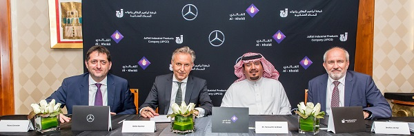 The contract was signed in the presence of Stefan Buchner, head of Mercedes-Benz Trucks, Till Oberwoerder, head of marketing, sales and services Mercedes-Benz Trucks and Roland Schneider, president & CEO Daimler Commercial Vehicles MENA.