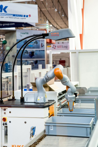 The company's new AutoPiQ solution will be a special highlight of the trade fair program.