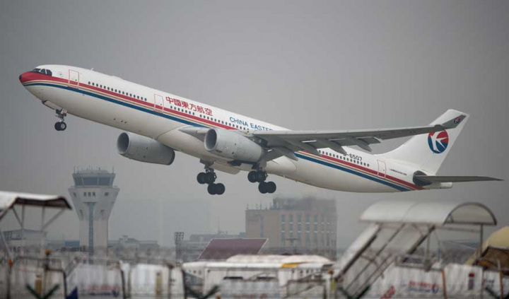 A China Eastern Airlines plane taking off at Shanghai's Hongqiao airport (JOHANNES EISELE/AFP/Getty Images).
