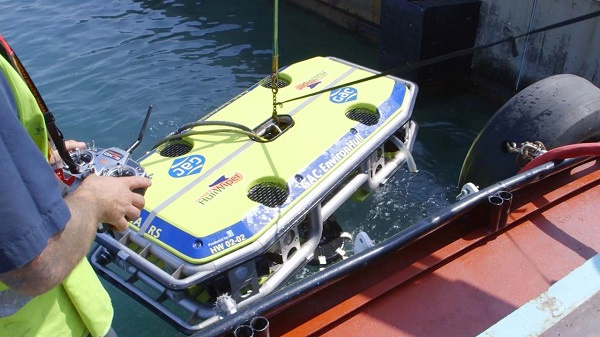 HullWiper is a diver-free remotely operated vehicle (ROV) that eliminates the need for divers to clean the vessel