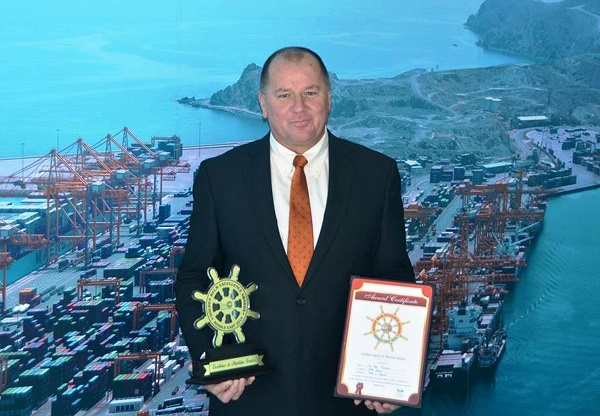 Gulftainer MD Peter Richards wins Golden Helm Excellence Award 2015 in the Trade and Export category.