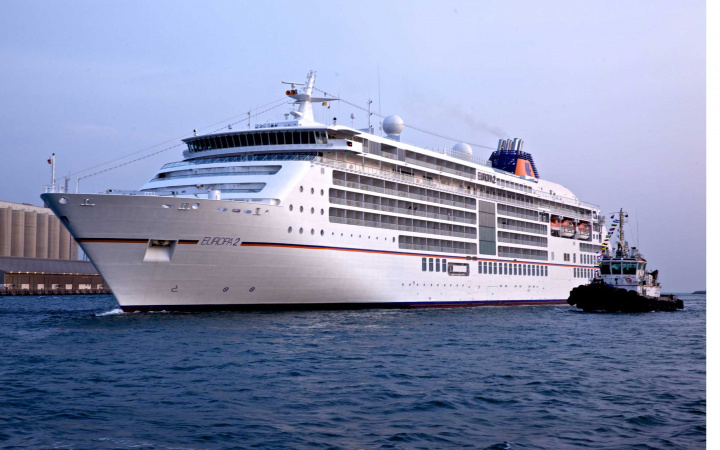 PHOTOS: Mina Zayed welcomes luxury cruise liner