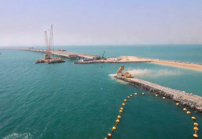 DP World's Terminal 4 expansion plans will see Jebel Ali Port's capacity grow by 3.1-million TEU by 2018.