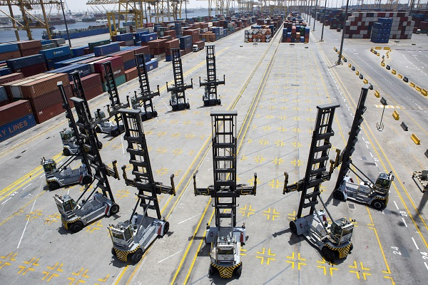 The Empty Container Handlers have been acquired as part of an expansion, which will bring the total handling capacity to 22.1 million TEU by 2018.