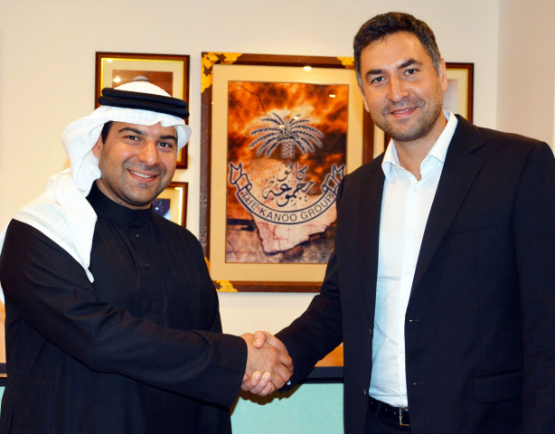 Fahad Fawzi Kanoo representative Yusuf Bin Ahmed Kanoo Group, and Idris al-Rifai, co-founder of Fetchr (right).