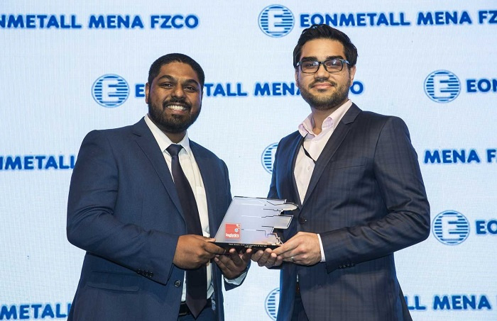 Mohsen Khan, physical distribution manager for the Middle East, L'Oréal, collects the award.