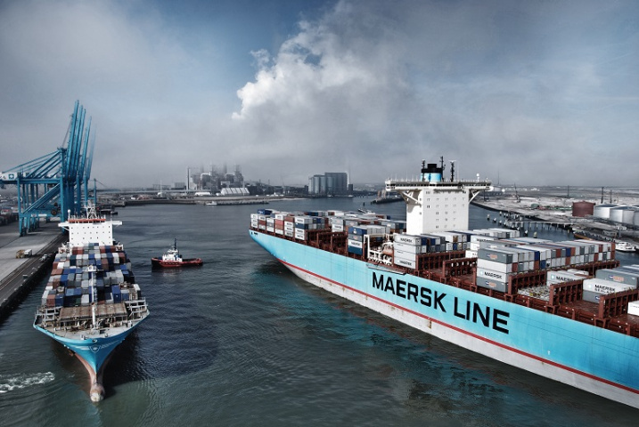 Maersk Line takes industry by surprise with 9-ship order for 14,000-teu vessels despite freight rate collapse