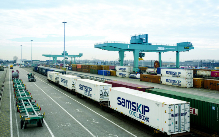 Omani logistics heavyweights sign MoU to jointly bid for contract to operate Oman's first dry port