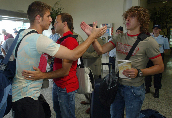 Spanish football players at Sa Carneiro airport in Porto (Miguel Riopa/AFP/Getty Images).
