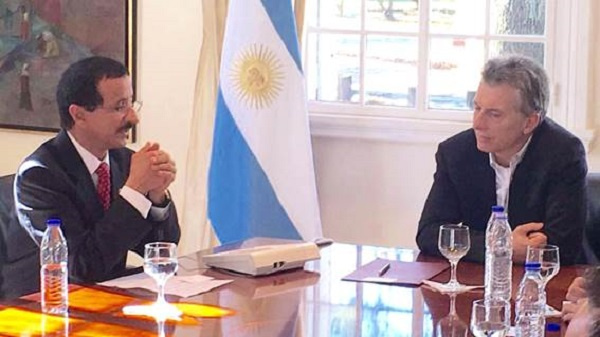 President Mauricio Macri of Argentina welcoming DP World Group Chairman and CEO, Sultan Ahmed Bin Sulayem