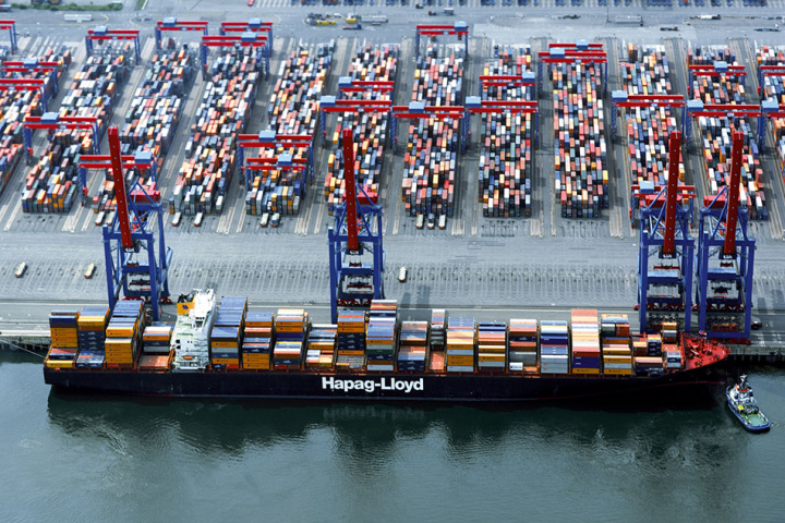 Hapag-Lloyd's current largest ships are the 13,166-teu class 'Express' ships